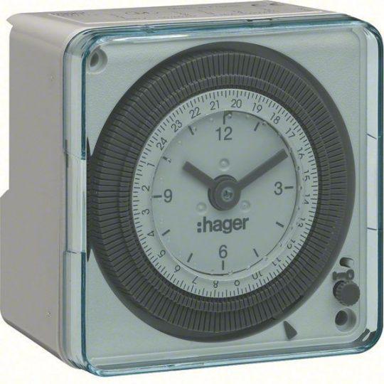 Hager EH711 Analóg kompakt napi kapcsolóóra, 1 váltó, 16A, 20perc/kapcs., járási tartalékkal