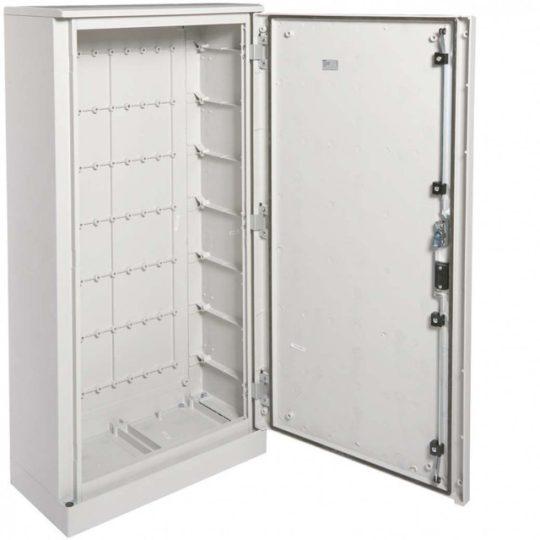 Hager FL322B Műanyag állószekrény lábazatttal, teli ajtós, 1200x600x300, IP65
