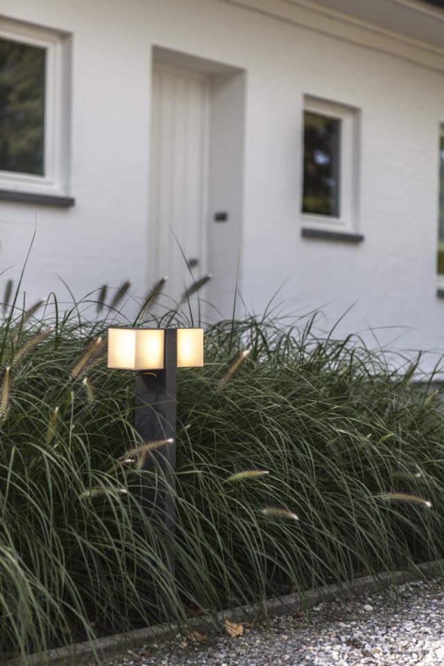 Lutec 7193801118 CUBA, kültéri, állólámpa 23W, IP54 védettséggel, melegfehér ( 3000K ), 1000 lm, 5 év garanciával, LED panel, sötétszürke / opál színben ( LUTEC 7193801118 )
