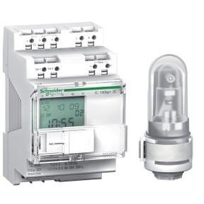 Schneider Electric, Acti9, CCT15492, programozható alkonykapcsoló időkapcsoló funkcióval IC100kp+ 16A, 2 kimenet, digitális fali érzékelővel, memóriakulcssal, Acti9 (Schneider CCT15492)